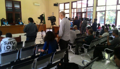 Hannah Gorman attends a court hearing in Indonesia